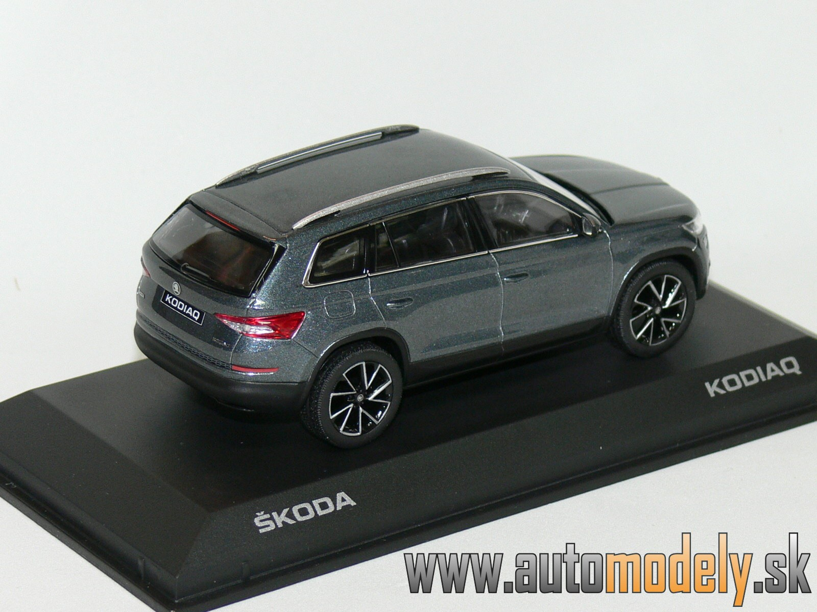Škoda Kodiaq Metal Grey - 1:43