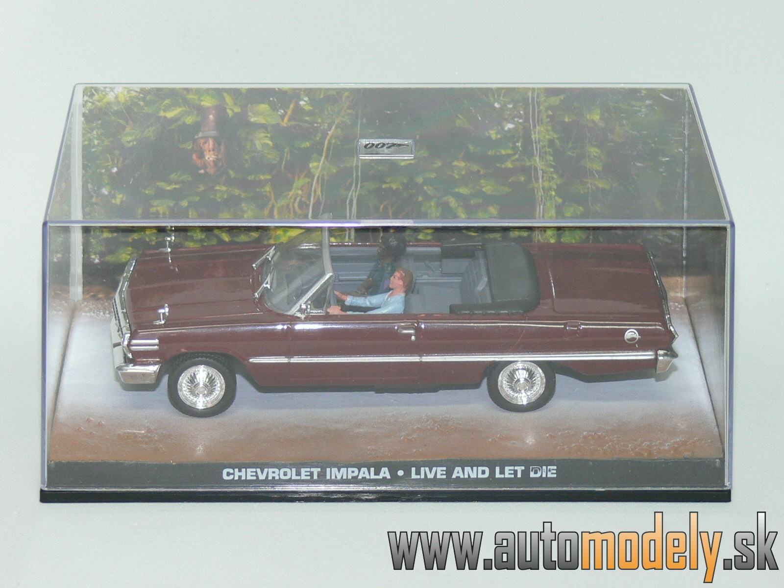 Chevrolet Impala - Live And Let Die - James Bond 007 - 1:43