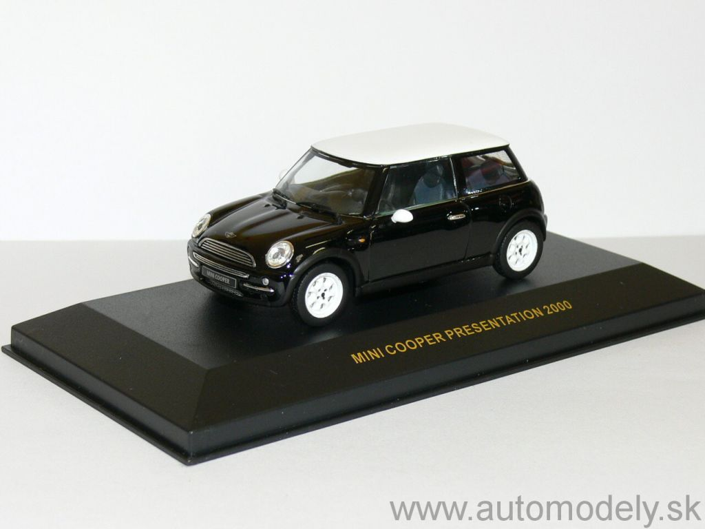IXO - Mini Cooper Presentation 2000 - Black - 1:43
