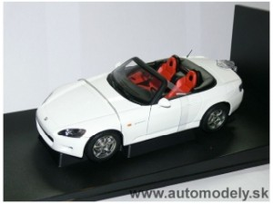 AutoArt - Honda S2000 LHD white U.S. Version - 1:18