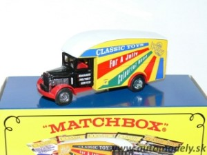 Matchbox Yesteryear Y-31 - 1931 Morris Courier Van