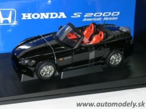 AutoArt - Honda S 2000 LHD black U.S. Version - 1:18