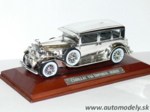 Cadillac V16 Imperial Seden - 1:43 Silver-Cars Collection