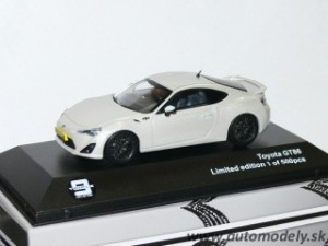 J-Collection - Toyota GT86 ( pearl white ) 1:43