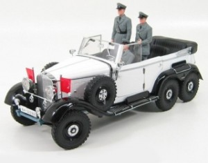 Signature Models - 1938 Mercedes Benz G4 + figúrky - 1:18