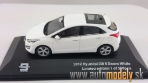 Hyundai i30 5-doors ( white ) 1:43 - Triple J-Collection