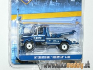 GreenLight - International Durastar 4400 Tow Truck 2013 NYPD - 1:64