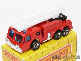 Matchbox MB 18 - Extending Ladder Fire Engine