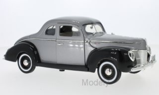 Motormax - Ford Deluxe, metallic-grau/black, 1940 - 1:18