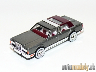 Matchbox Ultra - 1988 Lincoln Town Car - 1:76